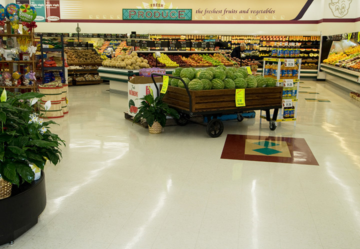 Produce section of the Piggly Wiggly in Columbiana