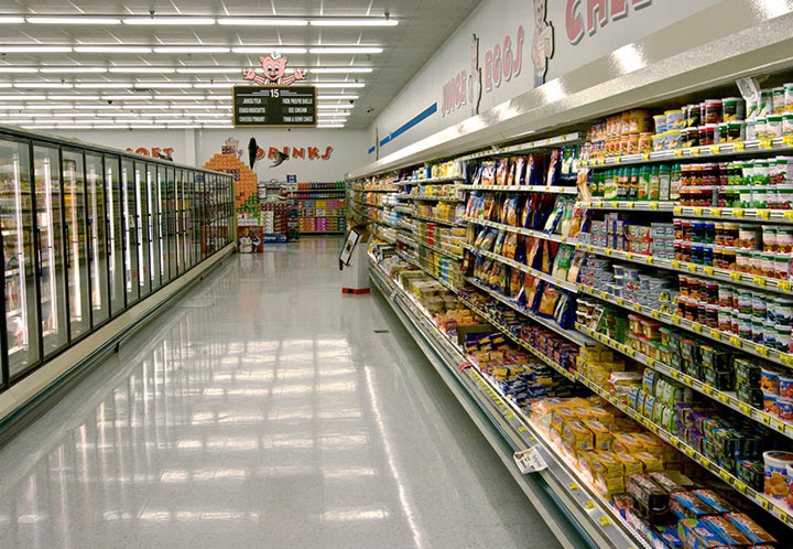 Interior Aisle of the Piggly Wiggly in Tuscaloosa